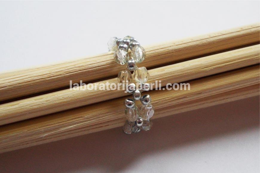 Prsten od brušenih perli