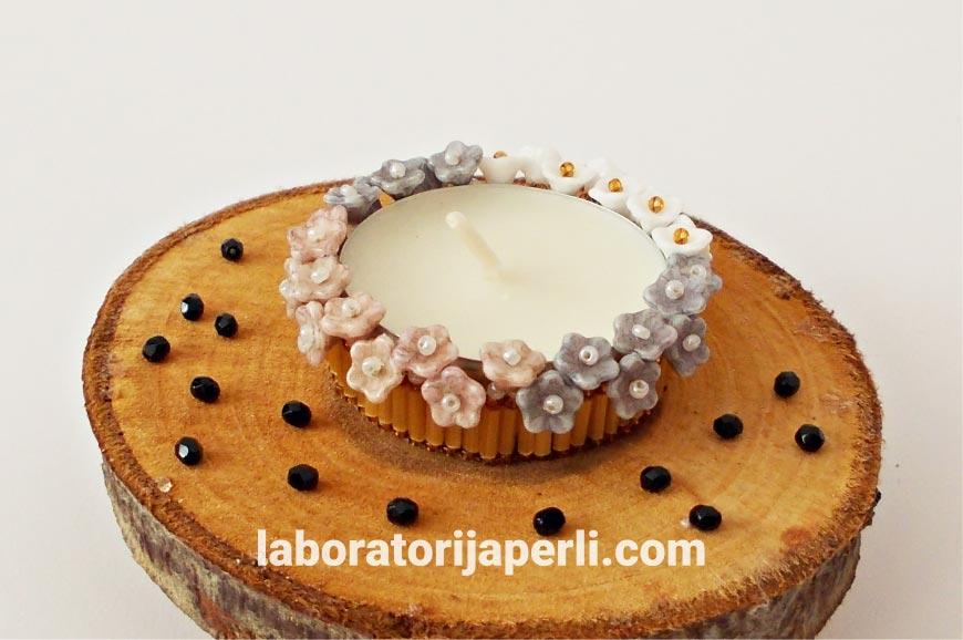 Dekorativni svećnjak od perlica